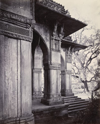 Close view of corner and entrance porch of Mubarak Sayyid's Tomb, Sojali Tombs, Mehmadabad, showing details of carving on pillars